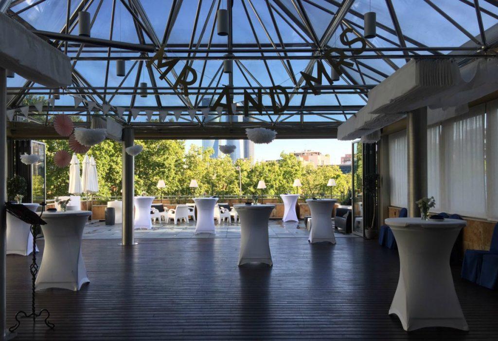 terraza restaurante la pirámide